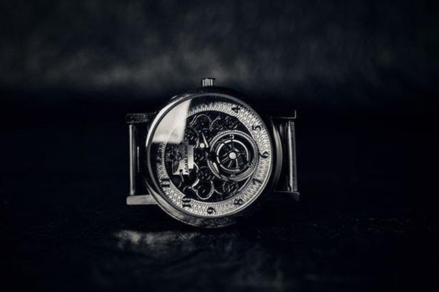 画像: 精密な技術が必要とされる機械式腕時計(写真はイメージ/pexels)