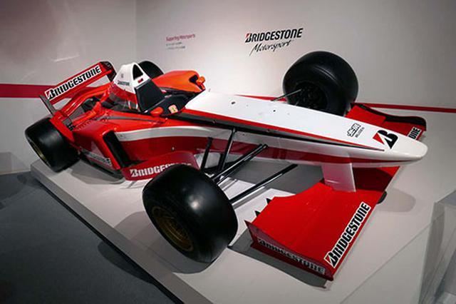 画像: F1用タイヤを開発するために実際にテストで使用されたF1マシン。これを契機にグローバル化も推進させた