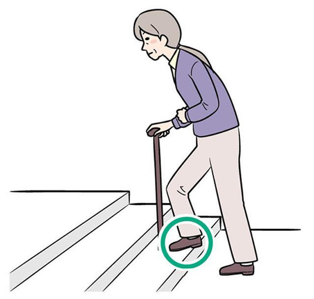 画像: ②マヒのない側の足で上る