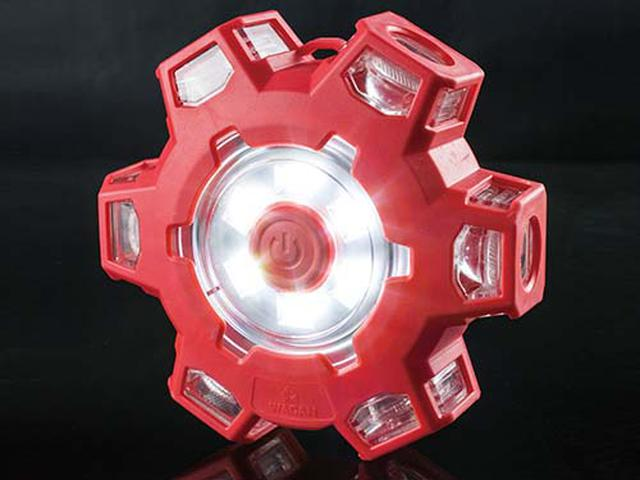 画像: LEDの点灯パターンは全部で6種類。中央にあるボタンを押すと、順番に切り替わります。