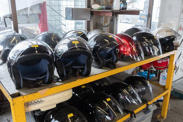 画像: ヘルメットや防寒着などは、無料でレンタル可能。手ぶらで行っても雪上カートが体験できます。