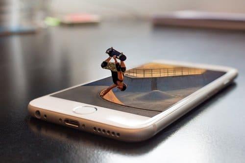画像: サービスを格下げせず携帯料金を抑えたい人にオススメなahamo(写真はイメージ/Pixabay)