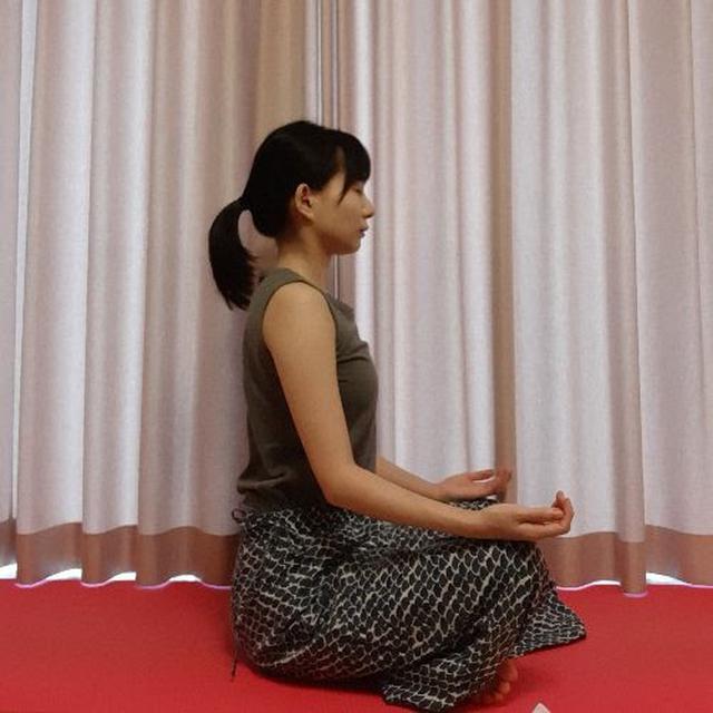 画像: 心の声に耳を傾けて、気持ちが落ち着くまでじっと待ちます。