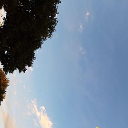 画像: 空のように私たちの心も日々変わります。それを見つめ、受け入れることがマインドフルネスの始まりです。