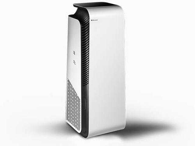 画像: 独自技術「HEPASilent Ultra」を採用し、0.03マイクロメートルまでのウイルスレベルの超微粒子を99%除去できる空気清浄機。上部にはインタラクティブなタッチスクリーンを搭載。PM1/2.5/10の各空気質指数や温度や湿度、フィルターの使用率を表示する。