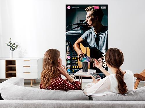 画像: SNSのライブ配信やビデオ通話、オンラインミーティングなどにも便利。