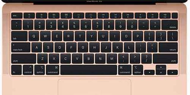 画像: キーボードは、好評だったシザー構造のキーが改良され、タイピング感がますます向上。タッチパッドもこれまでどおり広く、快適に操作できる。