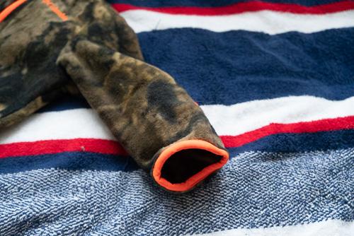 画像4: 手足の先端が袋状になったベビー服を発見