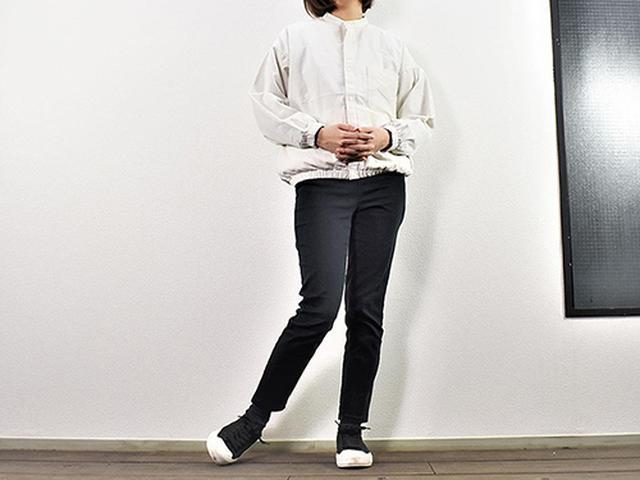 画像: コーデが優しい雰囲気になる「インド綿コーデュロイスタンドカラーシャツ」