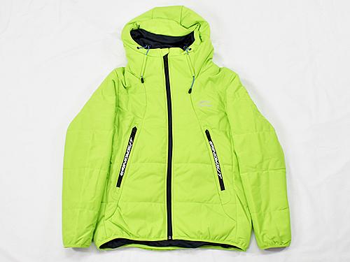 画像: ジャケットの丈感を生かした冬コーデ