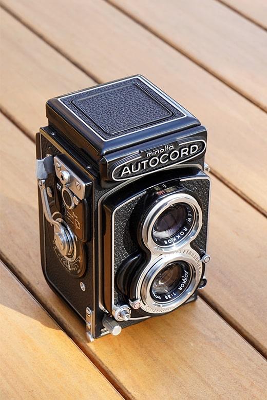 画像: 35mm判フルサイズの場合、70mmを中望遠と呼ぶには少し物足りない。だが、撮像範囲をAPS-Cサイズに設定すれば、70mmの1.5倍の「105mm相当」の画角が得られる。その分、画面上のカメラの大きさが同じでも、より自然な形に写す事ができる。 ソニー α7 III Vario-Tessar T* FE24-70mm F4 ZA OSS(70mm→105mm相当で撮影) 絞り優先オート F11 1/125秒 WB:曇天 ISO1250