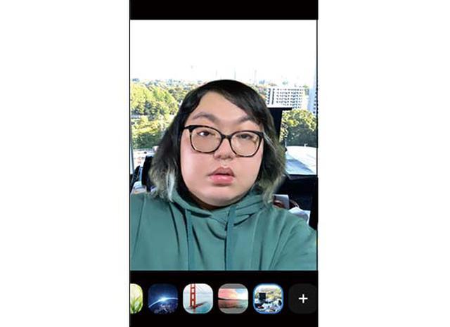 画像: スマホからの場合、背景に設定できるのは写真のみ。パソコン版で使用している背景は引き継がれない。