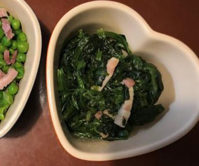 画像: ほうれん草のソテー190円。お肉を食べたあとの箸休めに。