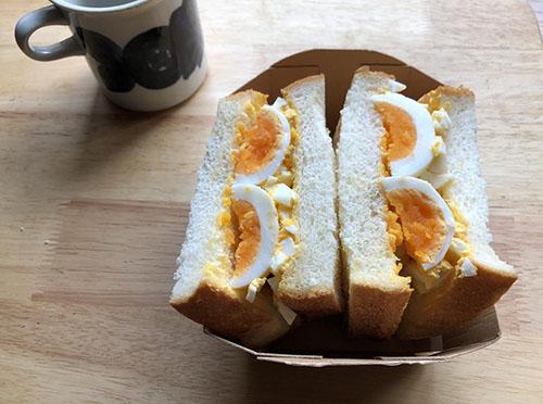 画像: ボリューミーな卵サンドはブランチにもぴったり