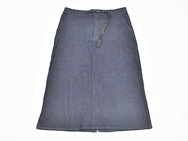 画像: 保温性とストレッチ性を兼ね備えたスカート