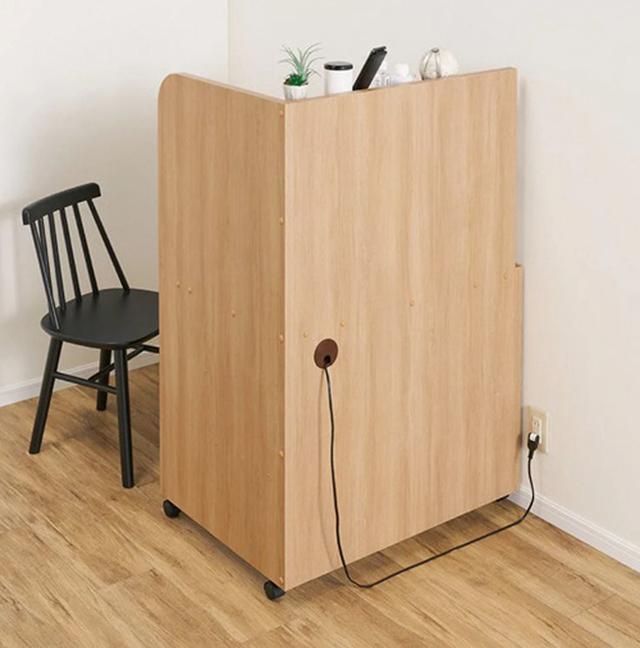 画像2: 程良い高さの仕切りで集中力アップ!リビングルームの一角を圧迫感なく仕事スペースに変えるテレワークデスク
