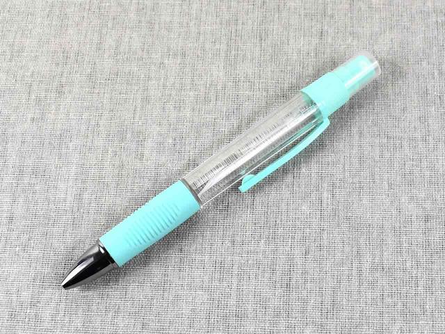 画像: スプレーとペンが一体になった「スプレーボールペン」