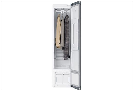 画像: 毎日洗うのが難しい衣類を衛生的にケ゚アできる。スマホでの遠隔操作にも対応。