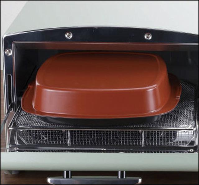 画像: グリルパン内の密閉空間で、効率よく加熱が可能。内部は330℃まで高温化する。