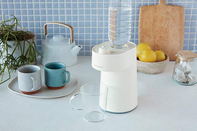 画像: ペットボトルの水を2秒でお湯にしてくれる!