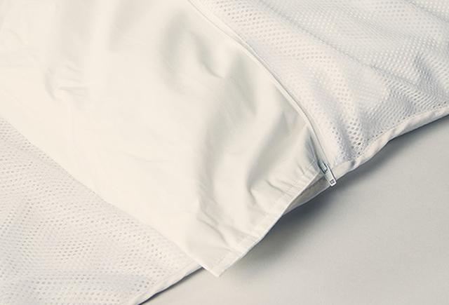 画像: 秋、冬、春の3シーズン使えるシングルサイズの掛け布団。三つのパックに分けることで、洗いやすさを実現している。