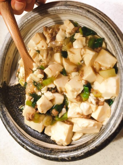 画像: 麻婆豆腐は、野菜を炒めて火が通ったころで、大豆のお肉を投入。味付け、とろみをつけたら完成です。