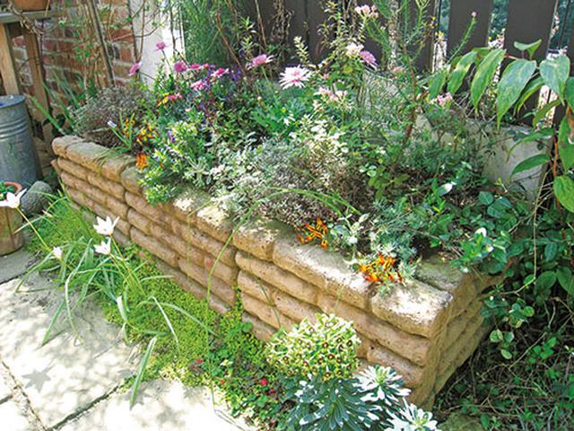 画像: ▼IDEA レイズドベッドは水はけの悪い庭でもOK