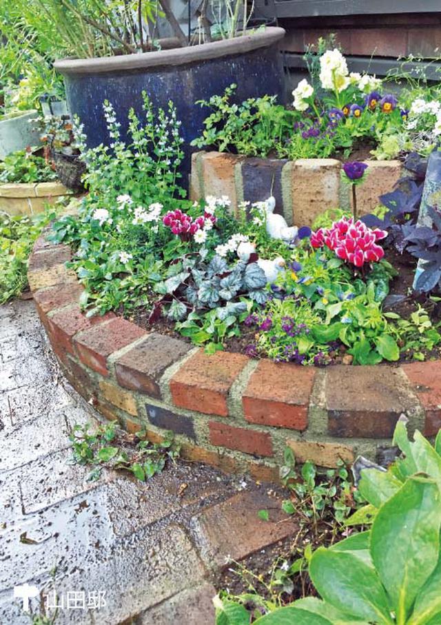 画像: 二段重ねの個性派花壇