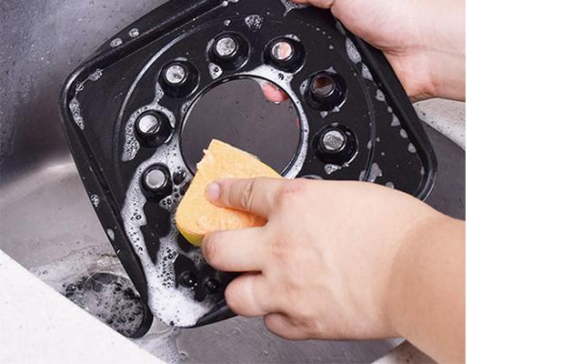 画像: 油の受け皿も取り外せるから片づけも簡単