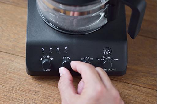 画像: 豆の挽き具合は3段階、お湯の温度は2段階を用意。組み合わせによって、自分好みの味が選べる。