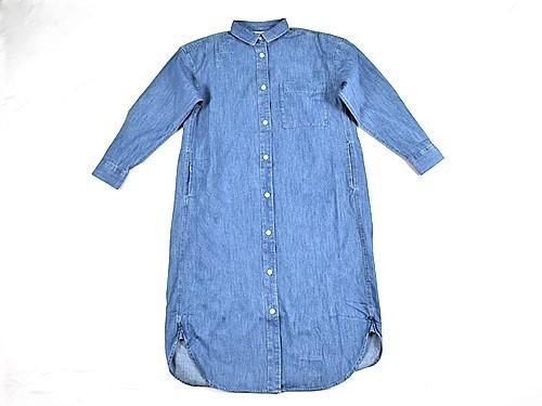 画像: 襟のついたシャツワンピースできちんと感をプラス!