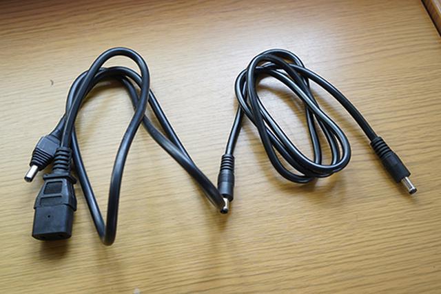 画像: 「ミツルくん」から「タケルくん」、「ワクヨさん」に電源を供給するための専用コードが用意され、より効率的に電気を使うことができるそうです。