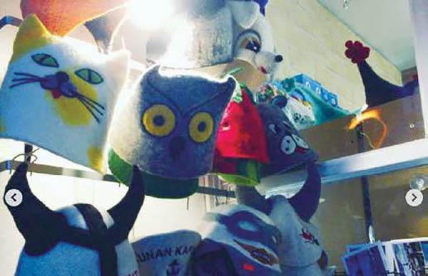 画像: サウナハット売り場 出典:『女性のためのサウナ・ハンドブック サウナ女子の世界 』