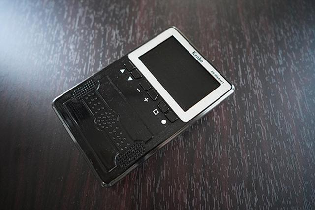 画像: コンパクトで比較的スッキリしたデザインの「KR-006AWFT」。実勢価格は8,000円前後になっています。