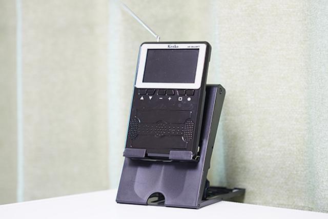 画像: 100円ショップで購入したNintendo Switch用のスタンドがなぜかぴったりだったので、そのまま愛用しています。