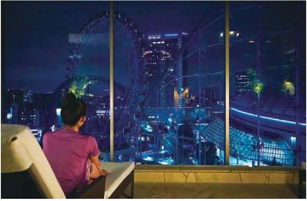 画像: 東京ドームシティの夜景が見下ろせます。