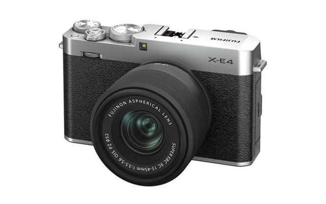 画像: フィルムカメラを彷彿とさせる、上質な材質とデザインが魅力。安定感を重視するなら、別売のハンドグリップやサムレストを装着するといいだろう。