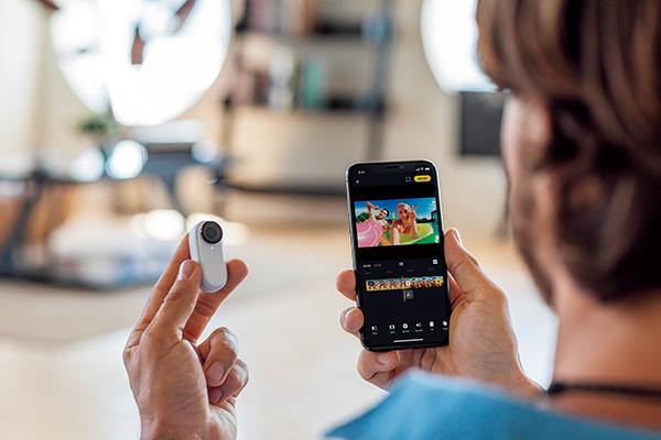 画像: 専用スマホアプリでは、カメラ映像のリアルタイムプレビューや、撮影した映像のAI編集などが可能。