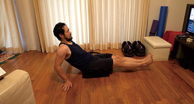 画像: ゲーム上で運動負荷を変更できるが、最大にすると、大人でも手ごたえを感じるほどの運動量になる。20分も遊べば汗びっしょりだ。