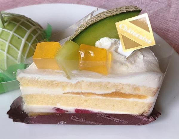 画像: 「メロンのプレミアム純生クリームショートケーキ」本体価格 430円 (税込 464円)