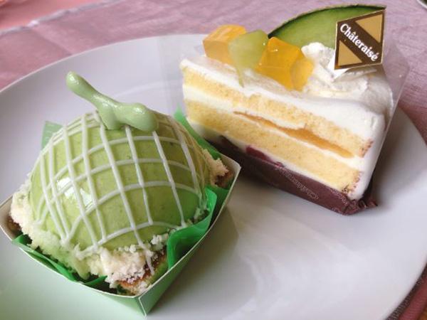 画像: メロンスイーツは、ショートケーキとまんまるメロンケーキの2品をセレクト。