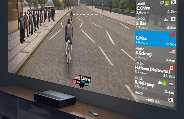 画像: TV画面やプロジェクター、モニターと接続すれば、まるでスポーツジムのように大画面でトレーニングを楽しめます。 www.makuake.com