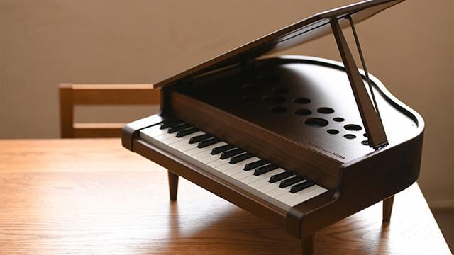 画像: 老舗家具メーカ飛騨産業とのコラボにより生まれた小さなグランドピアノ
