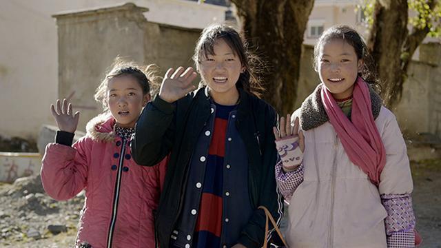 画像: チベット族のこどもたち。(四川省ガルゼチベット族自治州) ©️NHK/北京テレビ