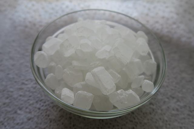 画像: 氷砂糖は梅酒以外にも、さまざまな果実酒で使えます。