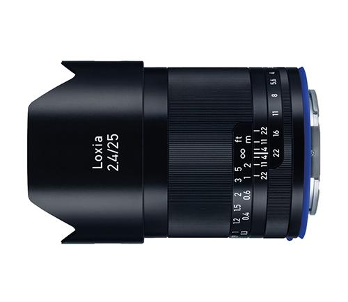 画像: ZEISS Loxia 2.4/25。カールツァイスお得意の25mmの単焦点マニュアルレンズ。実勢価格は20万円近い高級品。取扱いはケンコー・トキナーです。 https://www.kenko-tokina.co.jp/camera-lens/carl_zeiss/loxia25mm.html