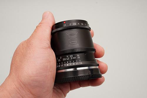 画像2: 約250gでΦ56×57.5mmはポケットサイズ