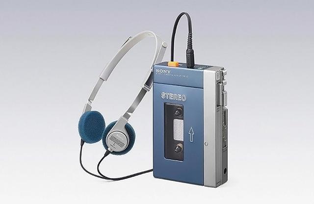 画像: ソニー・ウォークマン、初代機「TPS-L2」 全世界で売れた携帯型カセット再生機だ。