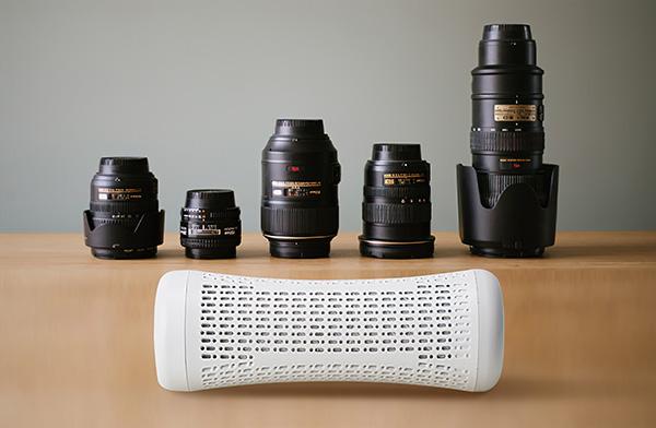 画像: カメラやレンズといった電子機器の保管場所に一緒に入れておけば、湿気から守れる。