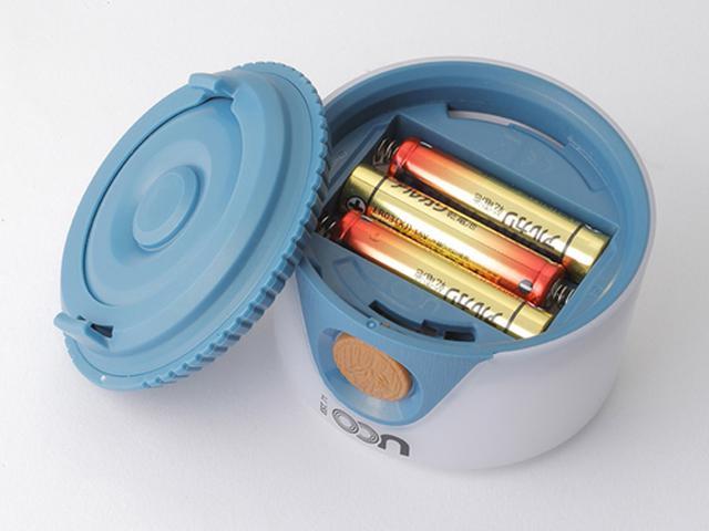 画像: 最近は充電池を利用する機器が増えて、乾電池の出番は減ってきたが、LEDランタンではまだまだ健在。キャンプ場では電源が使えない場合が多いので、交換するだけで済む乾電池式のほうが安心感がある。 www.e-mot.co.jp